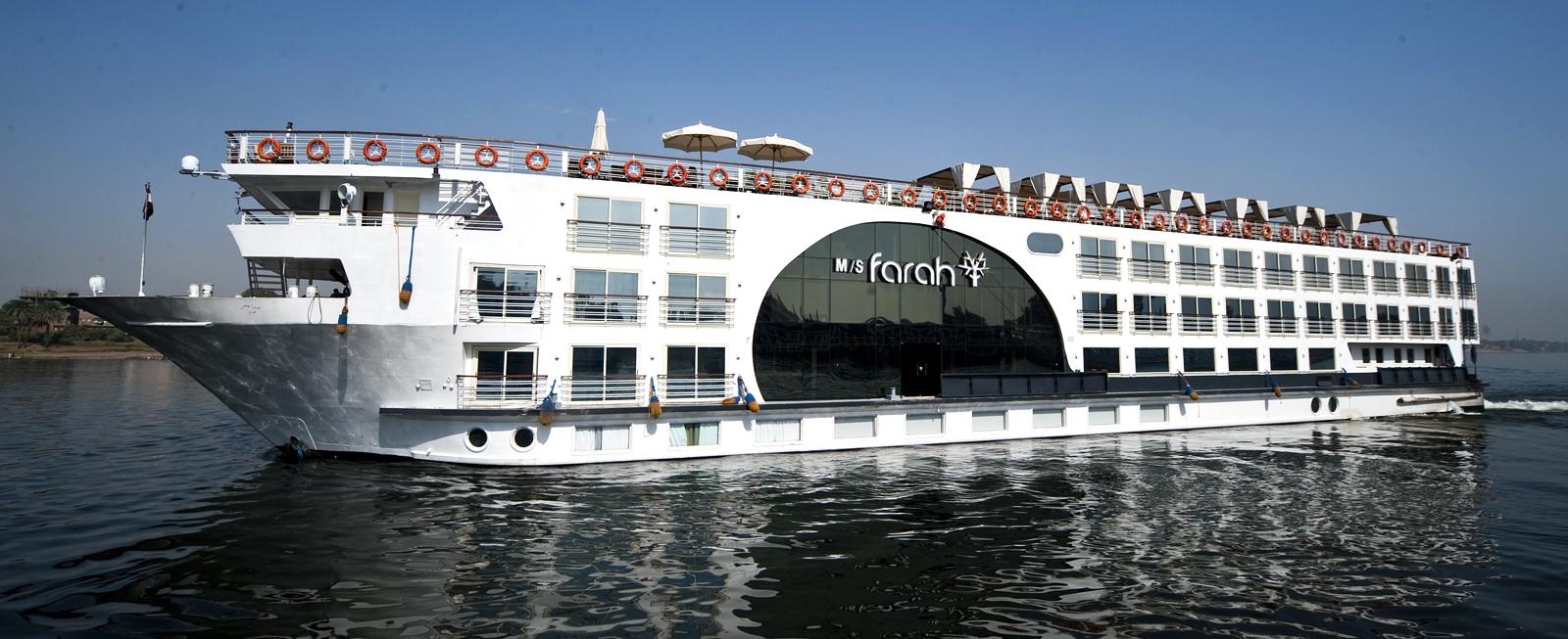 http://viajaegipto.es/wp-content/uploads/2012/09/cruceros-nilo-lago-naser.jpg